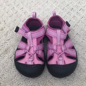 Brand new Keen sandals size 7 US toddler girl